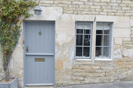 Cosy Cottage on the fringe of National Trust land - Minchinhampton - Rumah