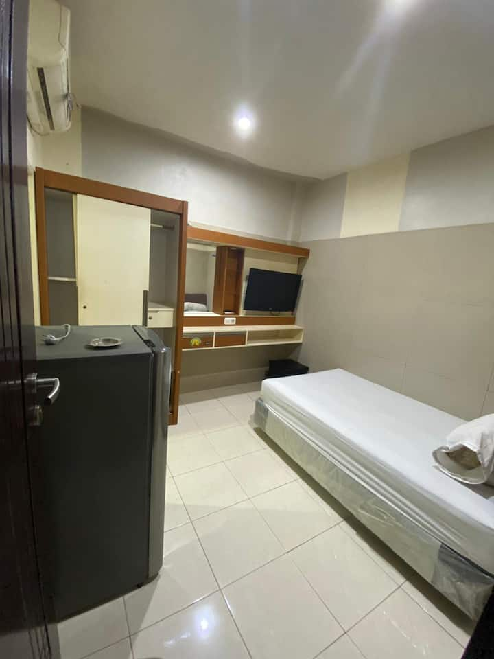 Standard Double Room at Suci Guest House 2