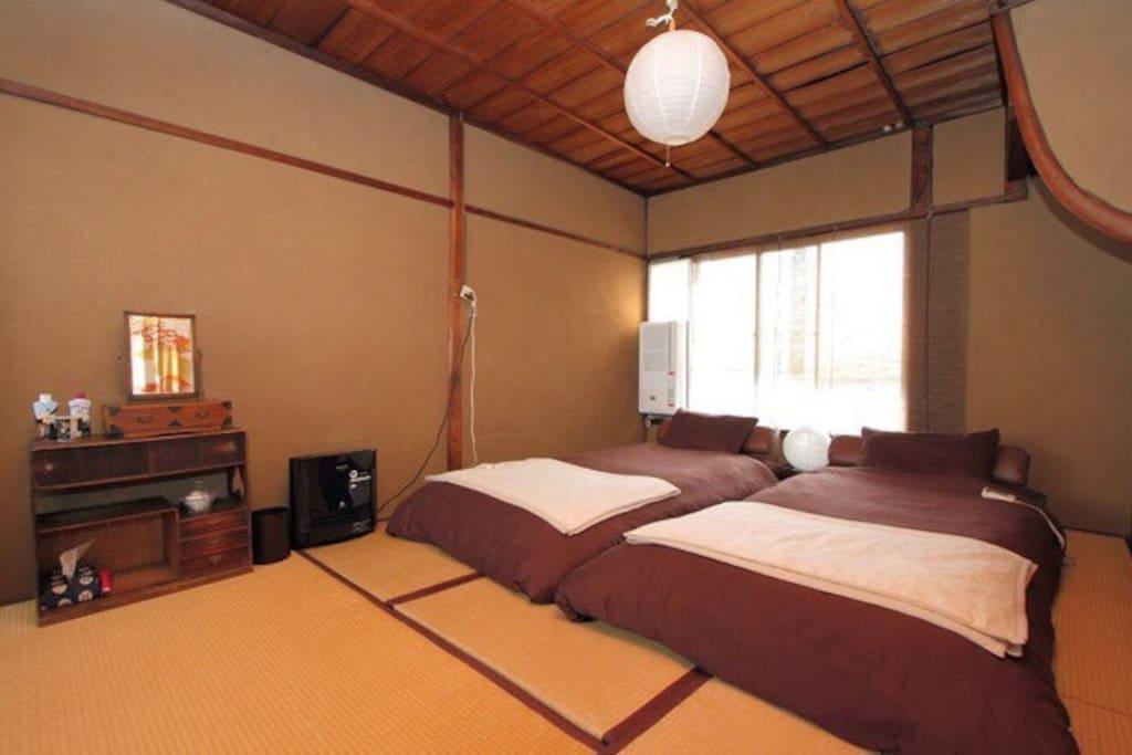2nd floor bed room