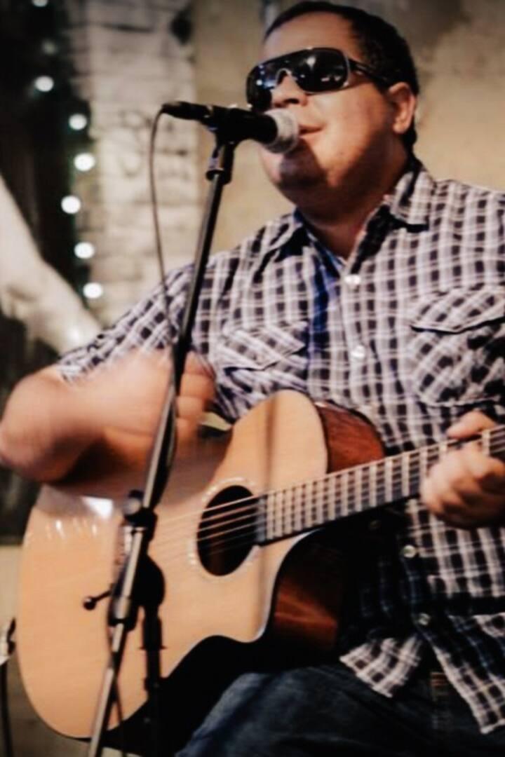 Richie Flores, BlindCafe Artist