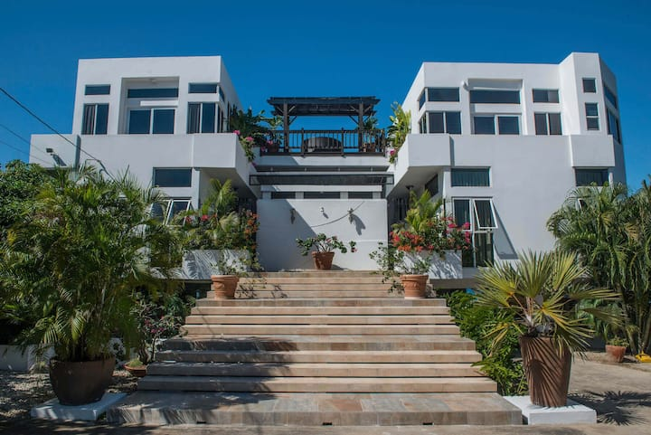 Amedis Villa-Luxury Villa on Jamaica's South Coast