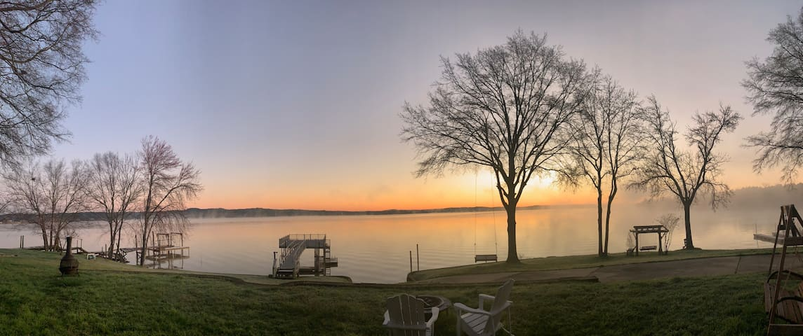 Lakeside Luxury on Wateree Lake. Spectacular Lake!