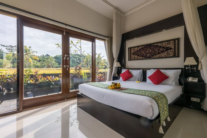 Superior room close to central Ubud