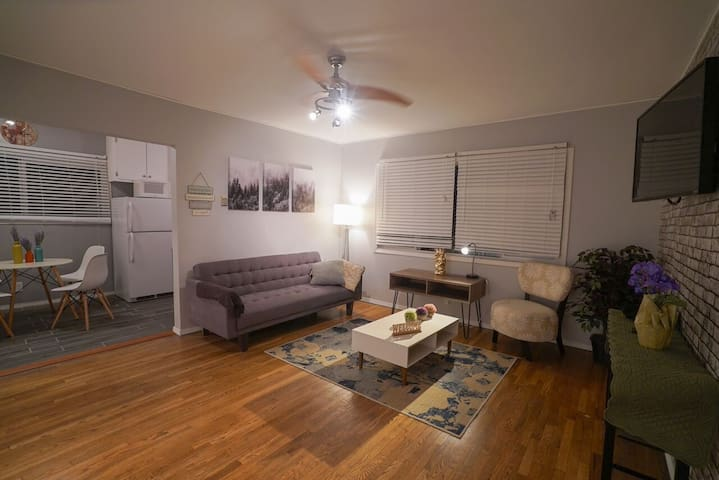 Contemporary Modern 1BR Apartment near Culver City