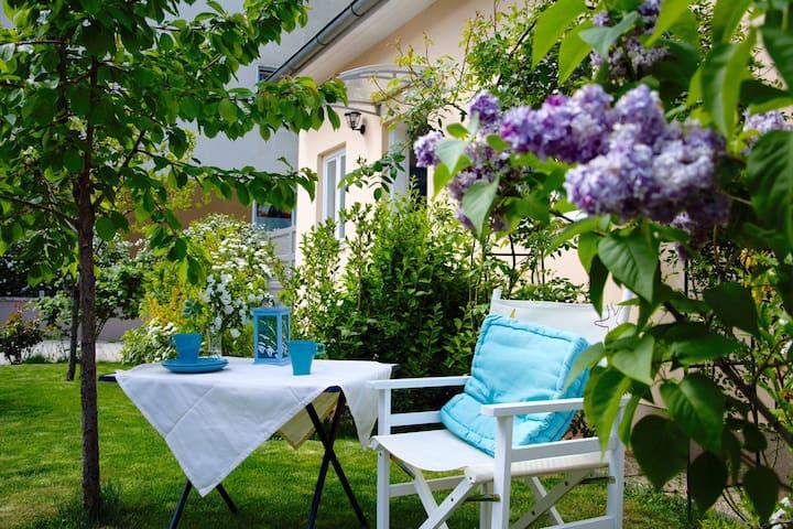 Kleine Ferienwohnung mit Garten - Baden - Wohnung