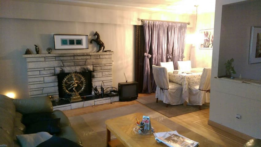 Cozy and comfortable family  Home - Vancouver - Bed & Breakfast