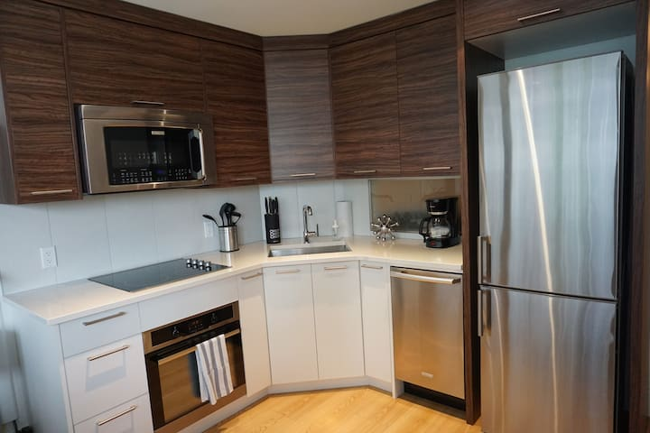 Entire Apartment with 1 BR near Peace Bridge