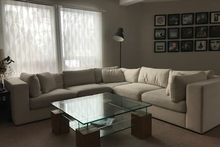 Central, spacious and bright apartment