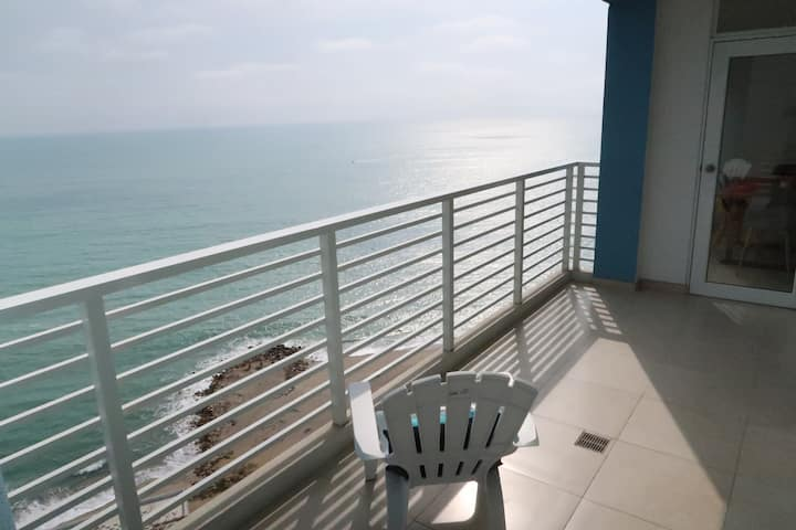 Departamento con vista espectacular frente al mar