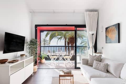 Z tohoto koketního bytu s bazénem na Gran Canarii ucítíš mořskou mlhu.
