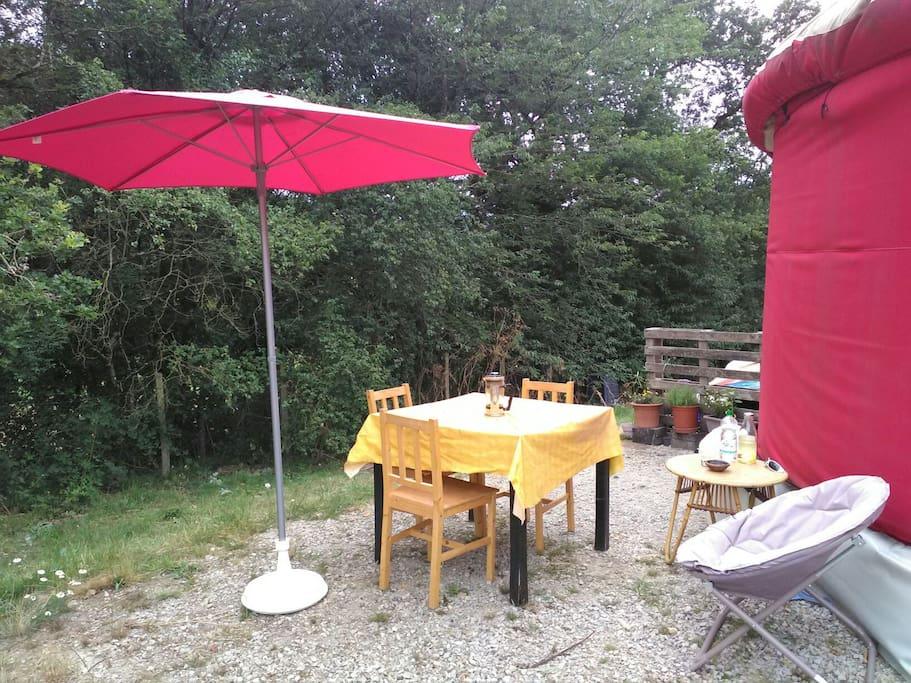 jardin extérieur pour manger.