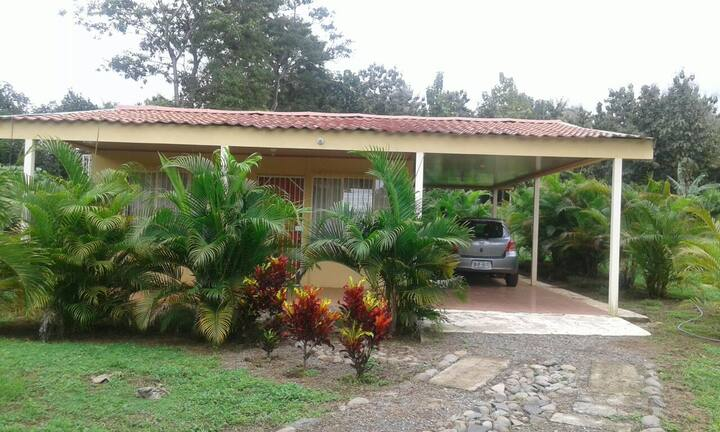 Little House in the country (CASITA) ¡Pura Vida!