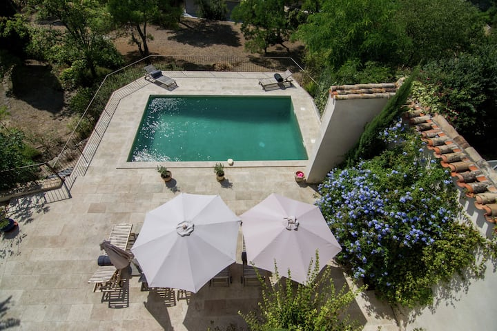 Commodious Villa in Campagnan with Swimming Pool