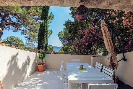Villa - plage à pied- Cala Rossa -Porto Vecchio