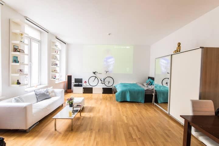 57 qm Downtown Loft with home cinema (Bilk)