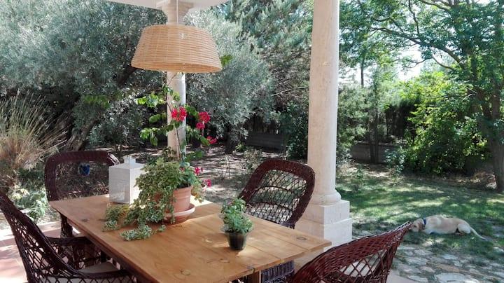 Habitación junto a Granada. Encanto y naturaleza