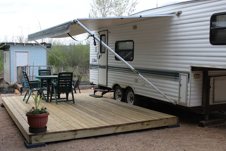 Nana's RV Camper -  Set-up and Ready for Guests