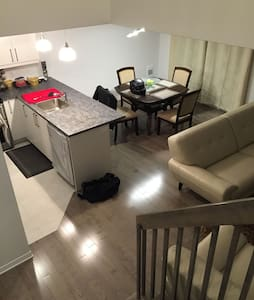Brand new furnished townhouse - Vaudreuil-Dorion - 連棟房屋