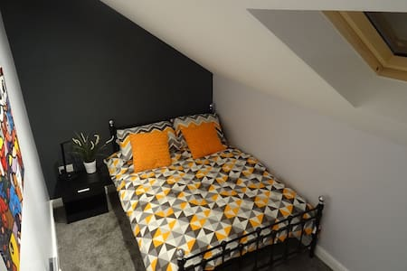 Modern Double Room - The Old Abattoir - Darlington