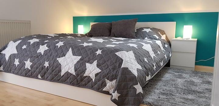Kleines gemütliches Zimmer Small Cozy Room