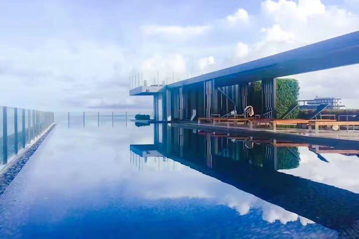 芭提雅市中心高层 顶层无边泳池 300米海边 base网红公寓高层海景房~优惠中