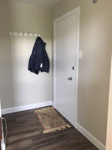 Newly renovated bachelor in trendy St-Henri