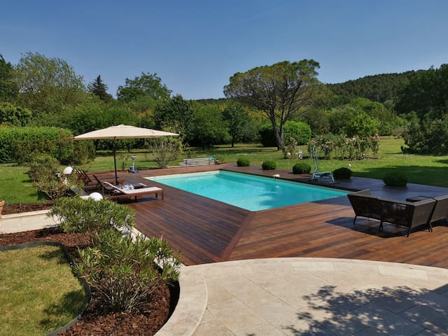 Luxury Mas in Provence with aircon,pool and Garden
