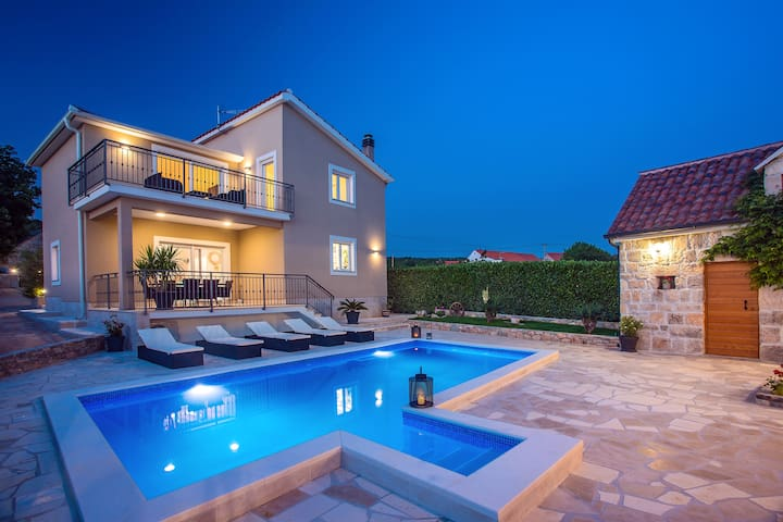 "Luxury villa ""Granny's gold"" with private pool."