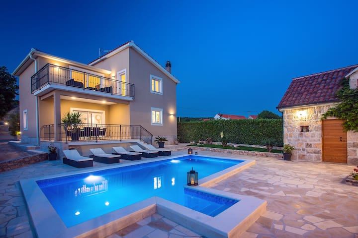 "Villa ""Granny's gold"" with heated private pool."