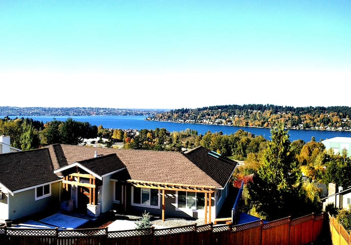 Beautiful Home Stunning Lake View