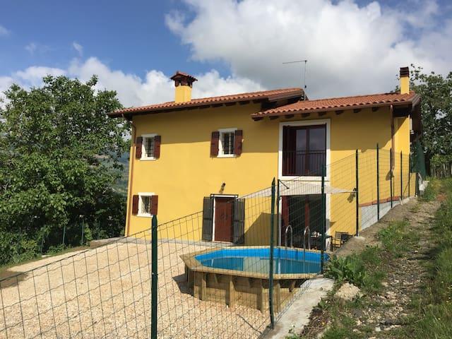 Mooi landelijk huis tussen de wijngaarden - Montecchia di Crosara - Casa