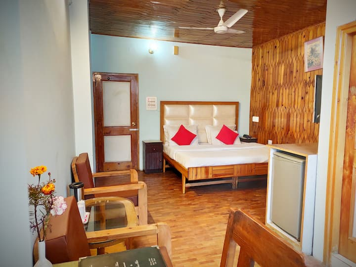 ValleyView Room with balcony @HimalayanHamletVV