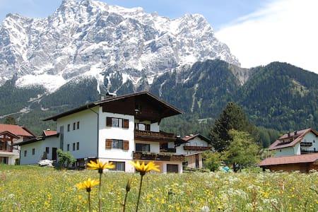 """""""Appartements im Wiesengrund"""" (1) Tirol/Zugspitze"""
