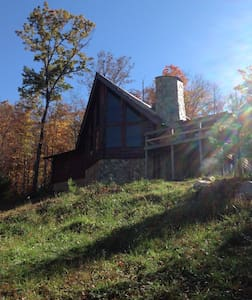 East Tennessee Large Mountain Cabin - Elizabethton
