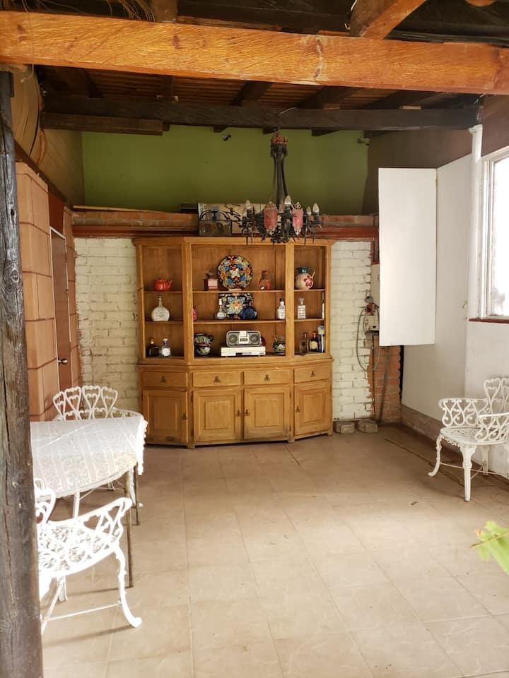 Habitación en Salvatierra con baño