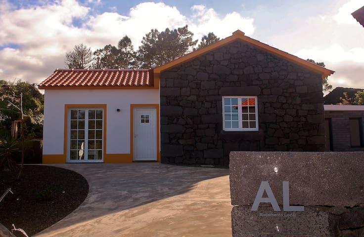 Yellow House - São Roque do Pico - Casa