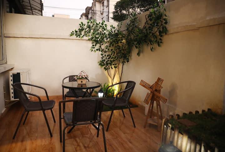 【琉夏03-1】出门就是银泰城/位置绝佳/庭院式北欧浪漫满屋/鲁迅故里沈园旁/家庭影院/日式茶吧!