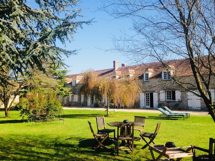 Belle maison à 1h de Paris pour 16 pers