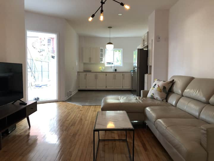 RENT SHORT OR LONG TERM, TERRACE-PARKING-LIL ITALY