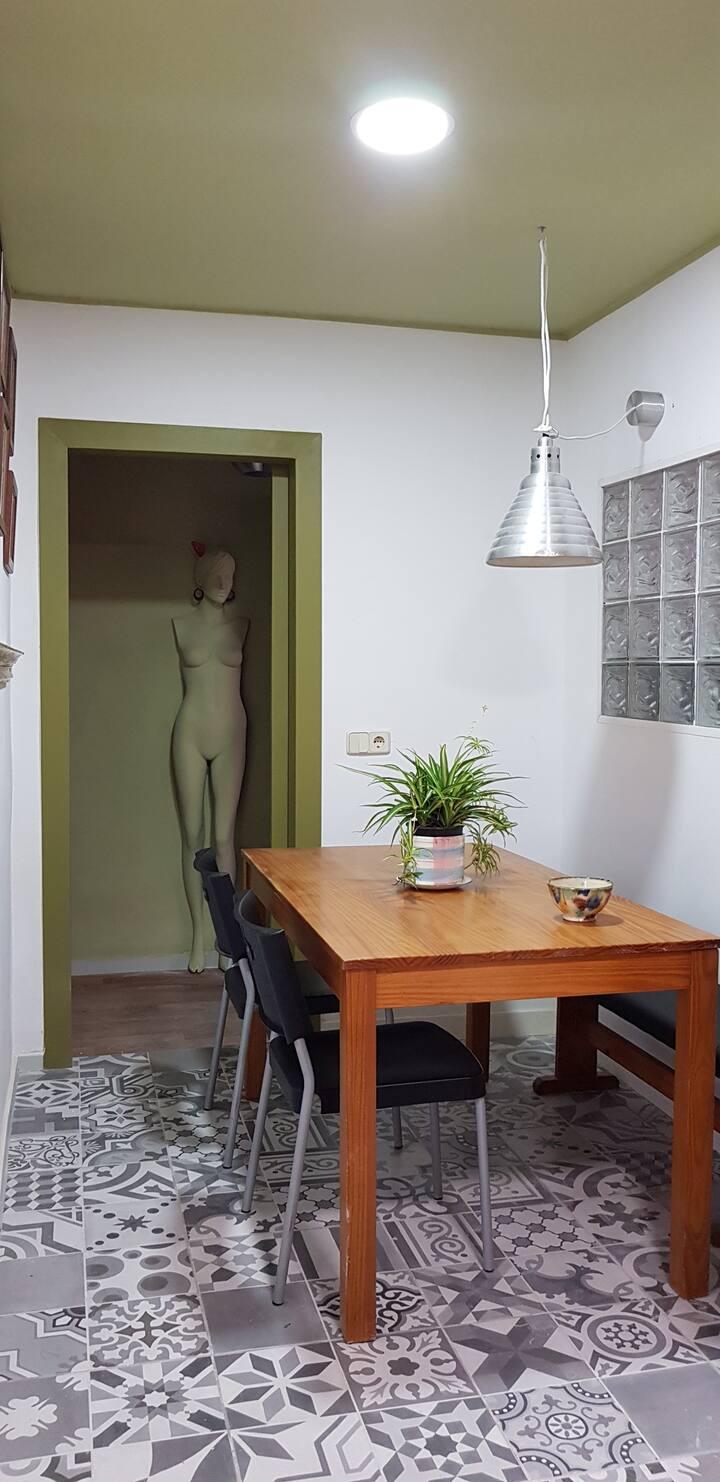 Alquilo  habitacion en apartamento en Paterna