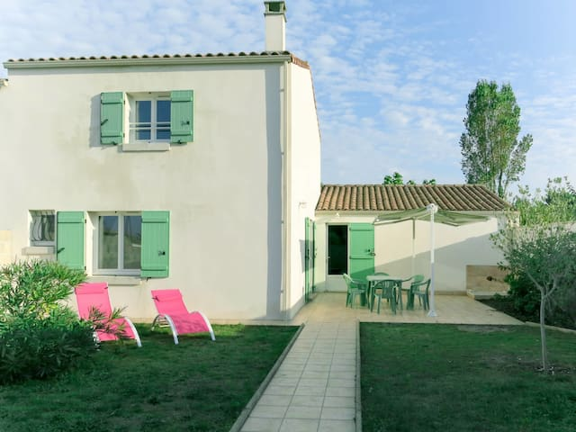 80 m² Holiday home in Grand Village Plage