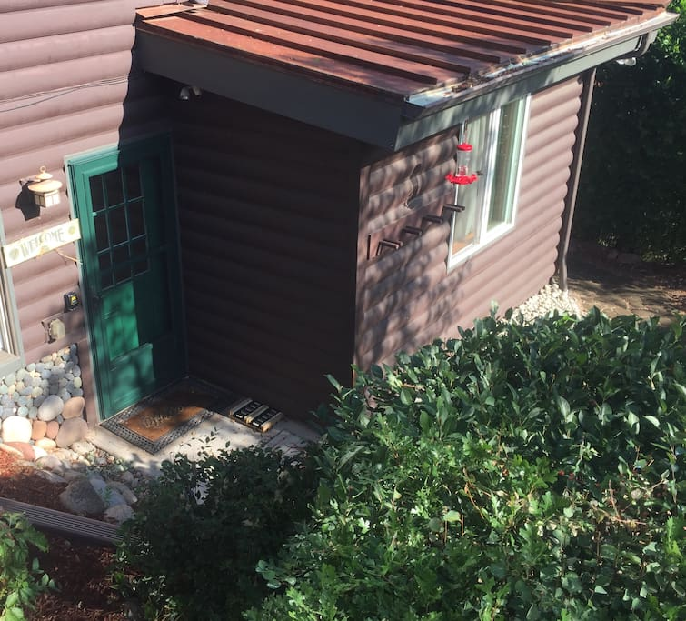 Cabin apartment river front views access guest for Cabins for rent near glenwood springs