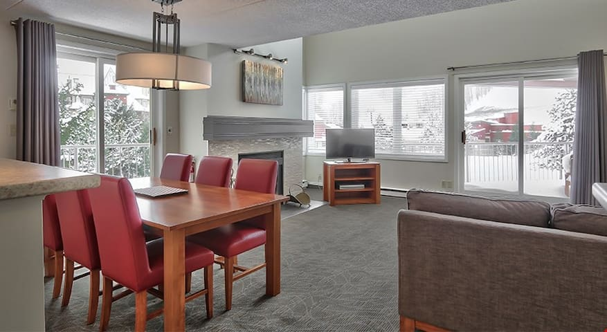 Stunning and Modern 2 Bedroom Home with Incredible Slopeside Views