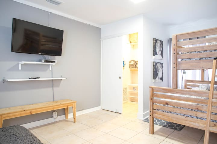 Welcoming 2-BR apartment