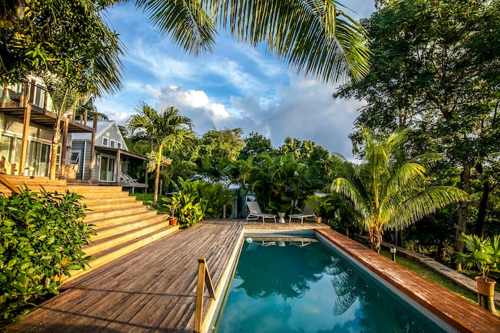 Stylish & spacious 2 bedroom villa with free wifi - Mahe