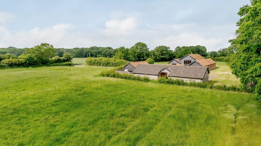 Spacious, Warm & Welcoming Barn Conversion.