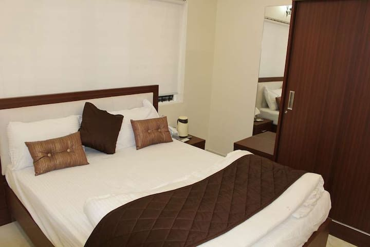 Family friendly guest house room -1