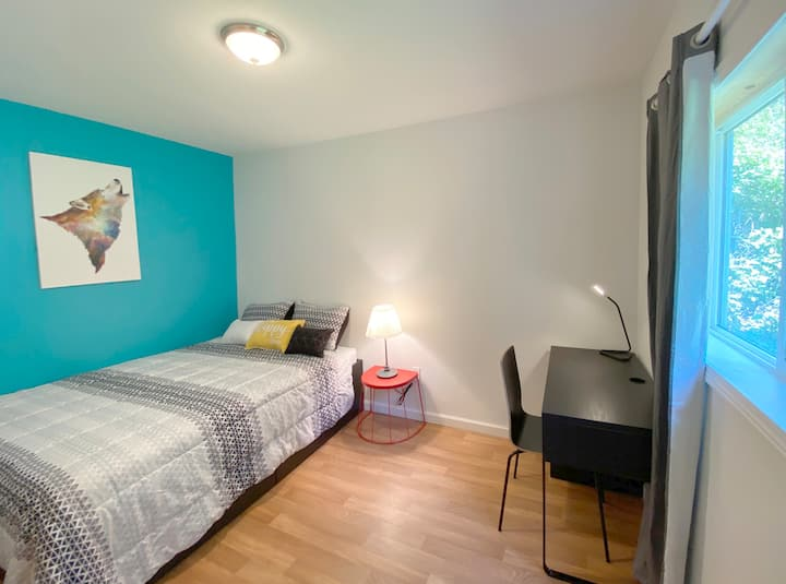 Charming Room in Downtown Lynnwood