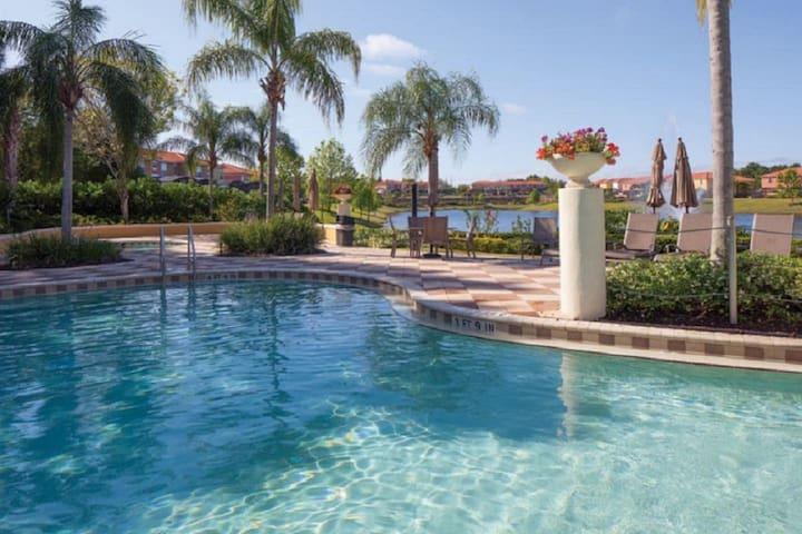 DISNEY-Lakefront-Private Pool ★★★ - Kissimmee - Rumah
