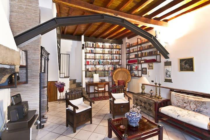 Palazzetto indipendente centro storico Viterbo